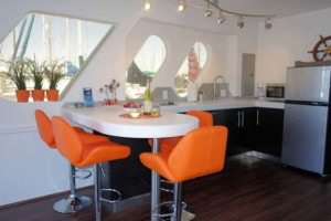 Suite Paradise Houseboat Kitchen
