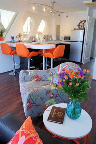 Suite Paradise Houseboat Kitchen
