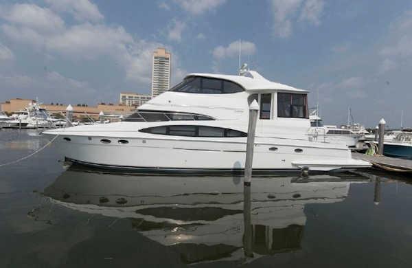 Own a yacht - Hula Kai 2